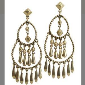 Stella & dot- Reivrie chandelier earrings